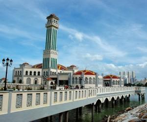 المسجد العائم في جزيرة بينانج